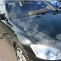 汽车开锅,发动机盖内冒白烟怎么办?