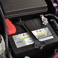 信宜车品汽车蓄电池失效前的征兆,如果不懂,就等救援吧!